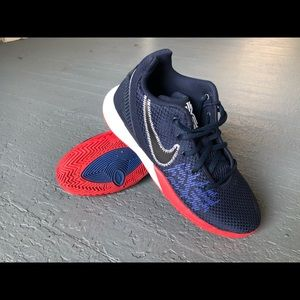 Nike Kyrie Youth Flytrap Basketball Shoes